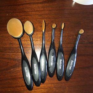 6-piece paddle brush set